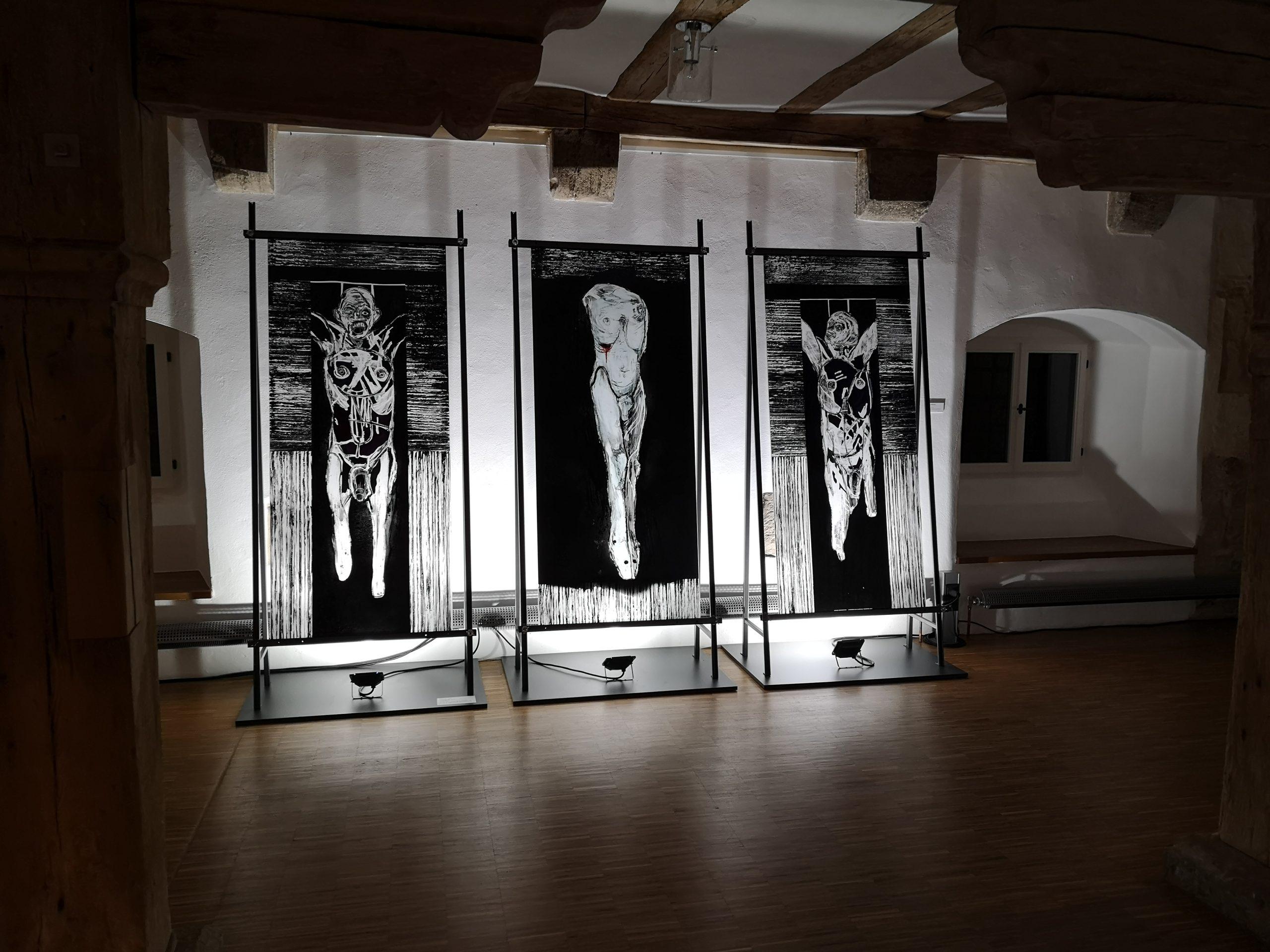 """Eröffnung der Sonderausstellung """"'Du leuchtend Kleinod, edler Stein' Zeitgenössische Glasfenster"""" im Kreiskulturzentrum Kloster Wechterswinkel"""