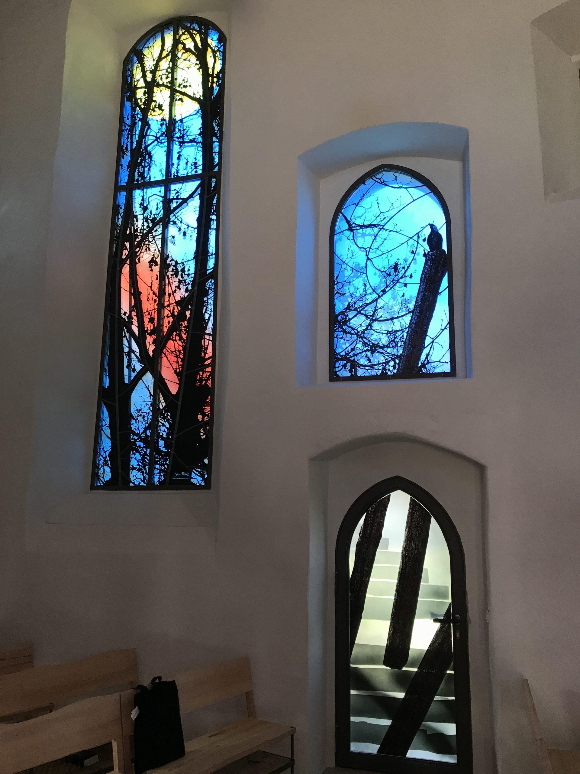 Fenster der Kirchenburg Walldorf, Künstler Julian Plodek