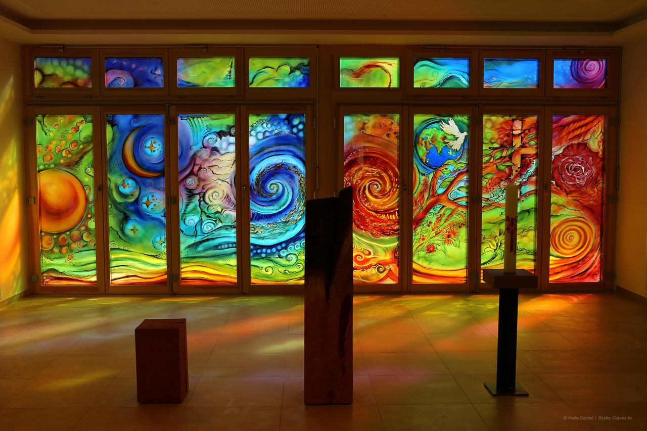 glaskunst im caritas zentrum st franziskus mannheim derix glasstudios. Black Bedroom Furniture Sets. Home Design Ideas