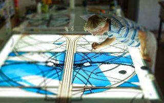 Lukas Derow bei den DERIX Glasstudios