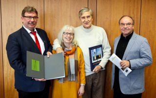 """Vorstellung des neuen Bildbands von Johannes Schreiter: """"Werke in Glas"""""""